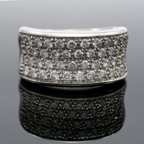 18ct white gold pave set diamond dress ring
