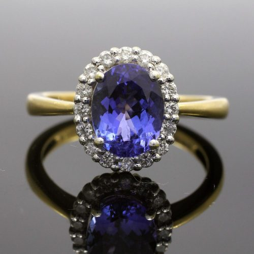18ct Yellow & White Gold Tanzanite & Diamond Oval Cluster Ring
